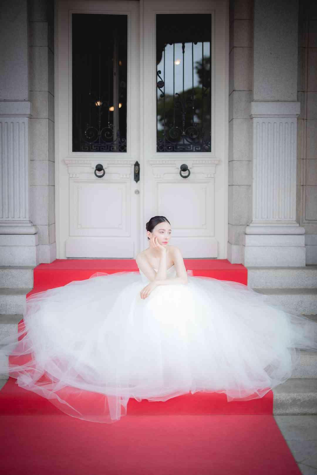 美しいドレスが、物語になる。