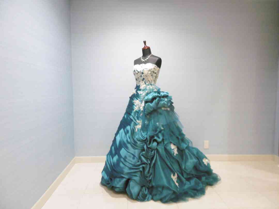 Cドレス2 /ブライダリウム ミュー