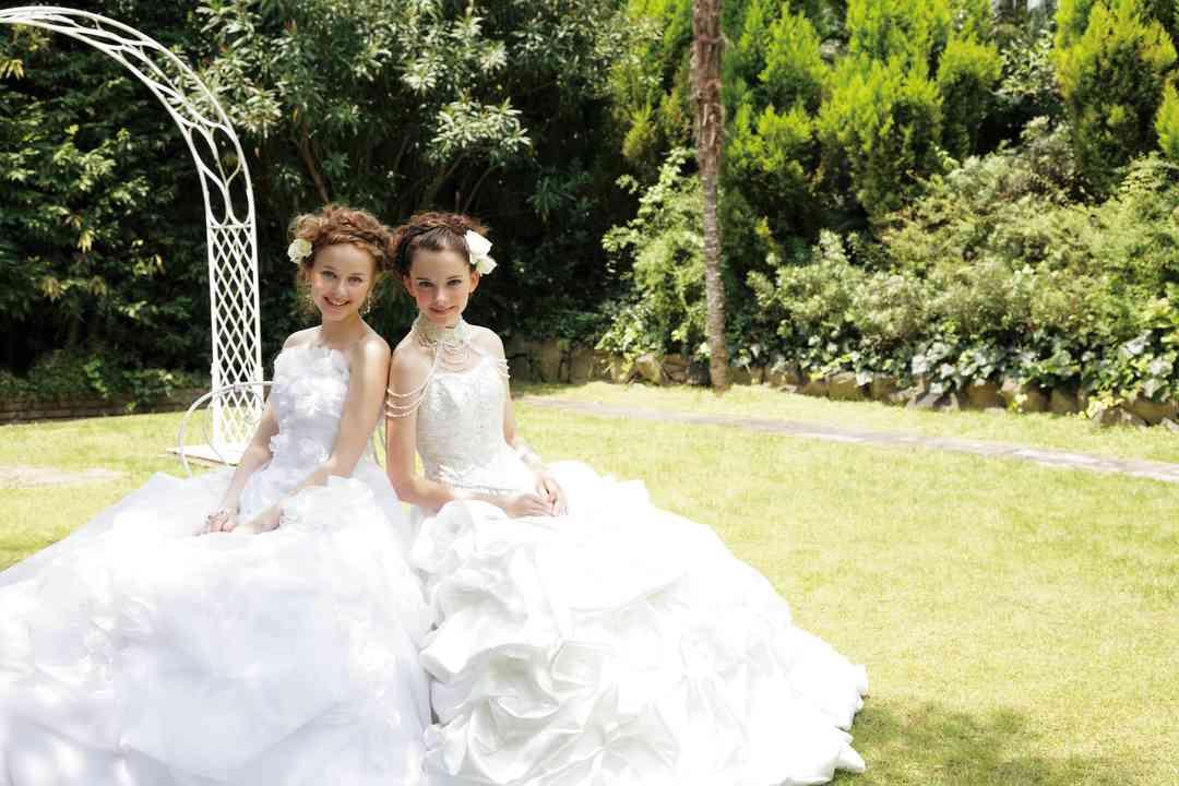(左)ナターシャ (右)エレーナ ウエディングサロンイノウエ
