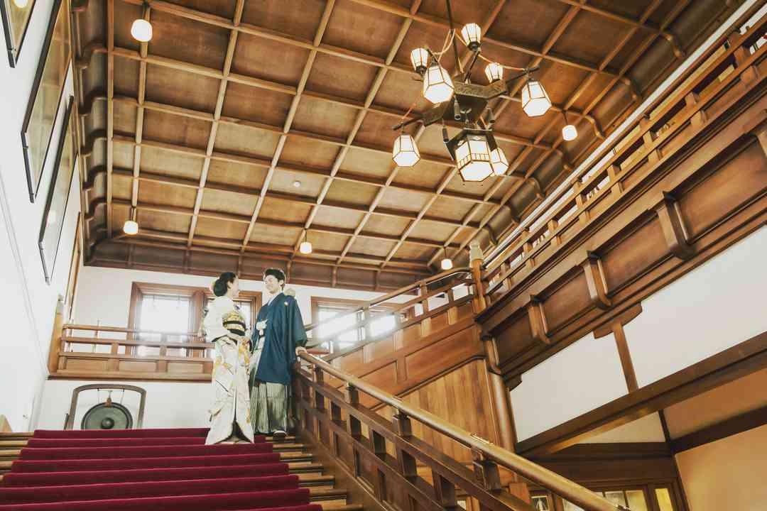 本館 大階段 和装