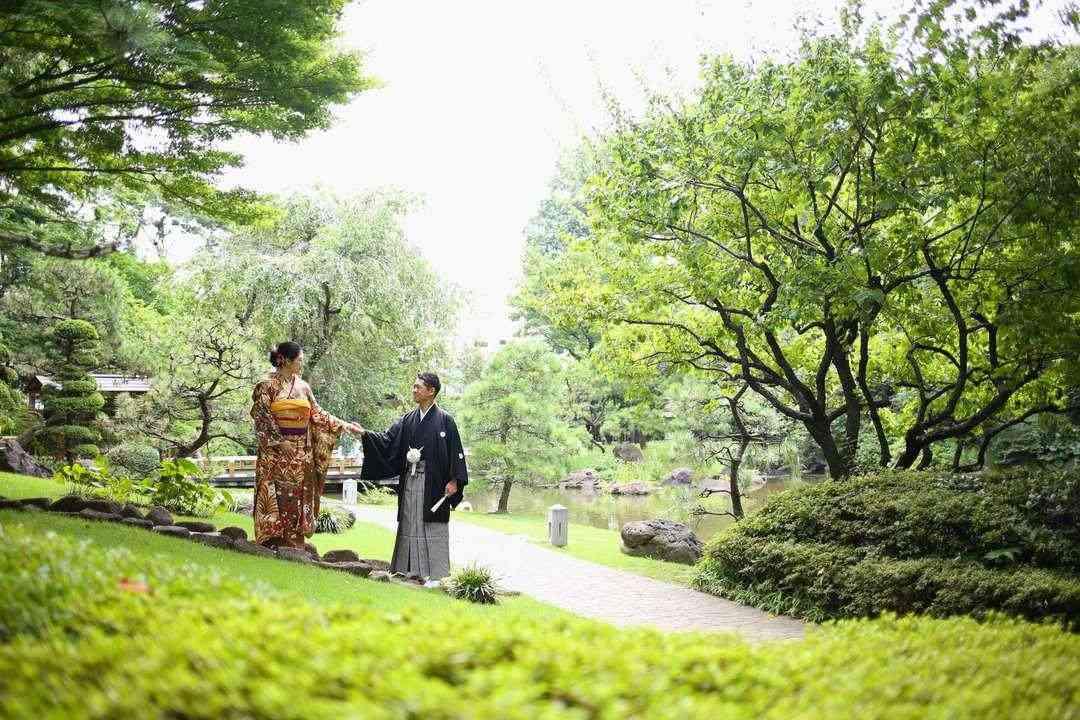 庭園ロケーション・夏の新緑の季節