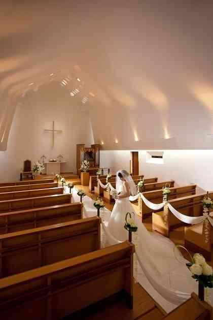 キリスト教の結婚式 式の流れ マナー 演出 今どきウェディングの